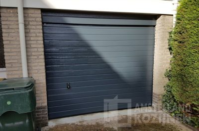 Garagedeur met S-profilering